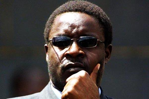 Mugabe rushes to Singapore for medical check up