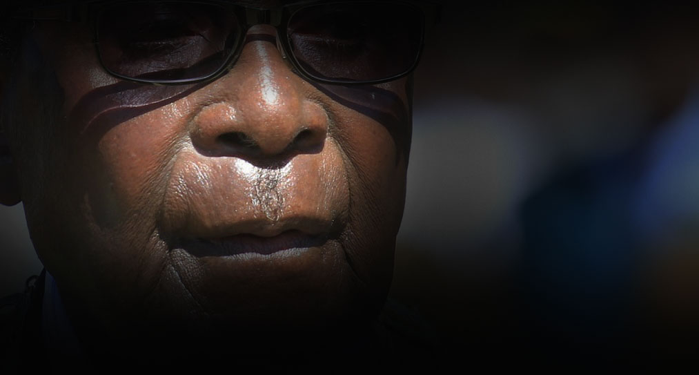 Zimbabwe war veterans in court for insulting Mugabe