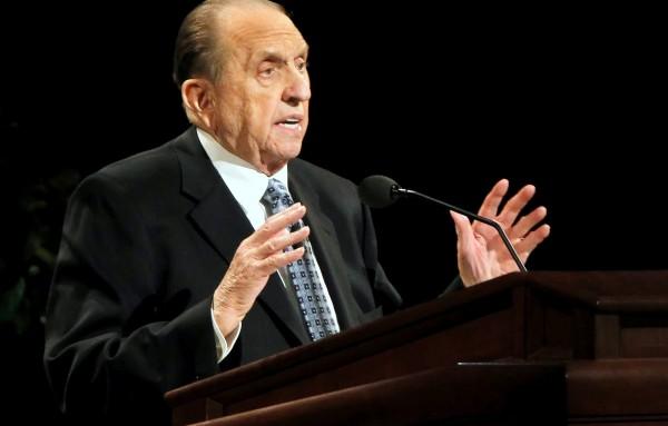 Thomas Monson: President of the Mormon Church dies at 90